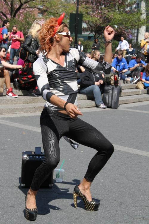 diva dude dancing union square (7)